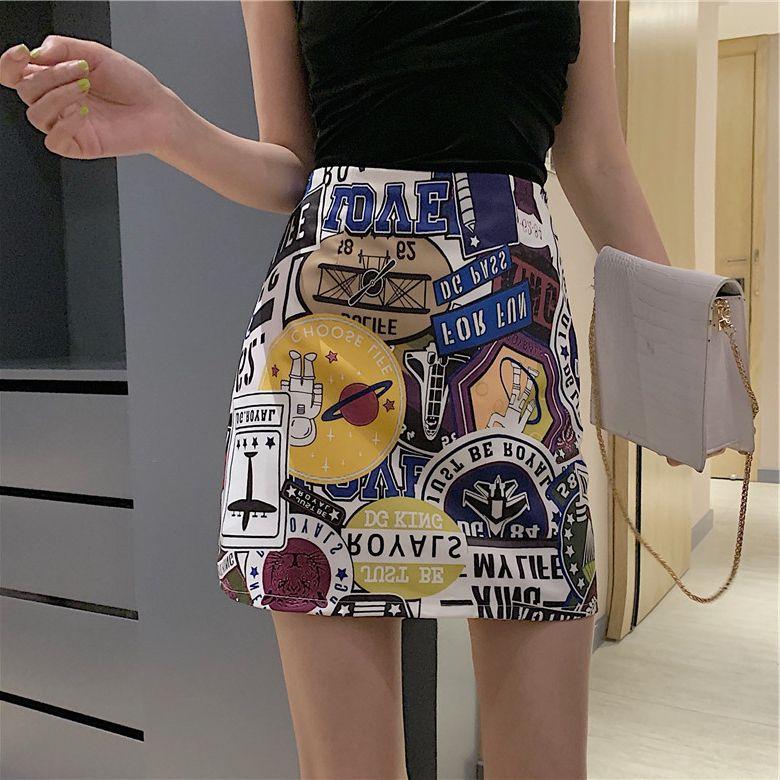 新款丝绒交叉吊带修身显瘦百搭背心+个性涂鸦印花高腰a字包臀短裙