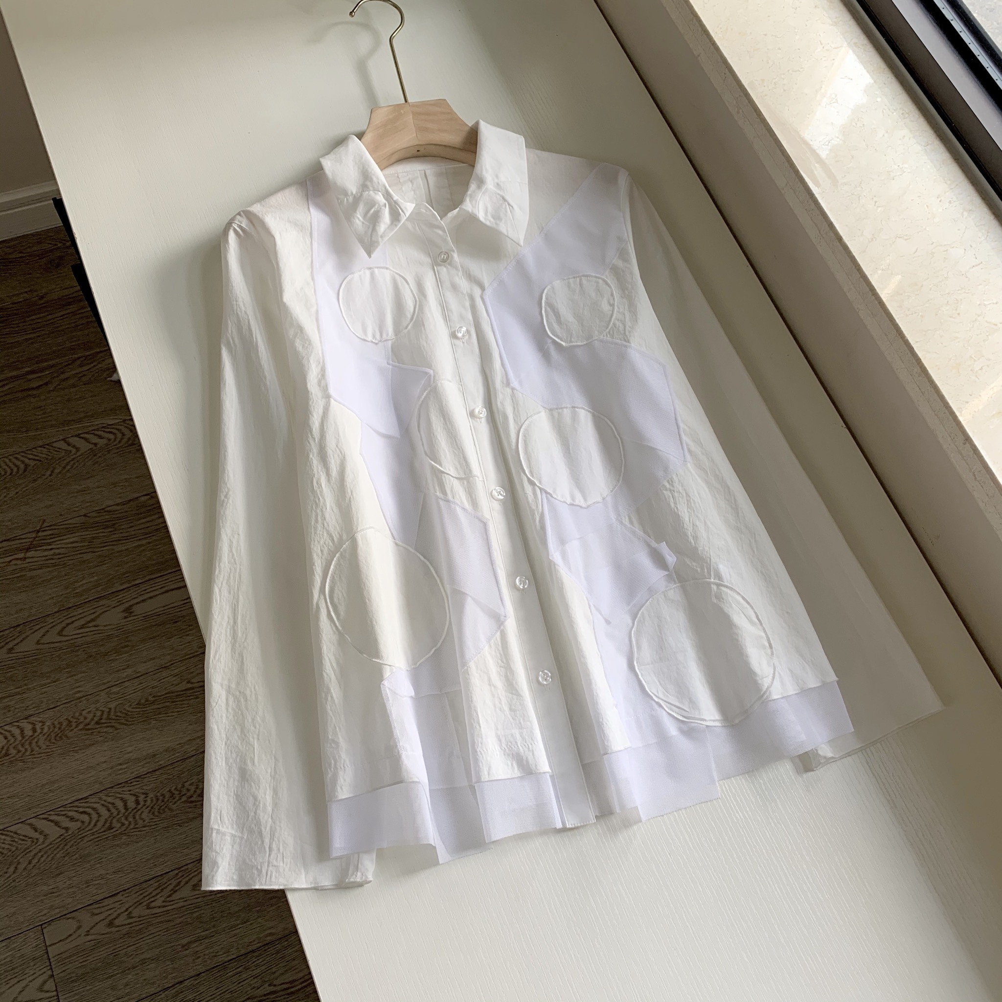 日系品质森系sens@unic@纱网拼接树叶领白色修身长袖衬衫