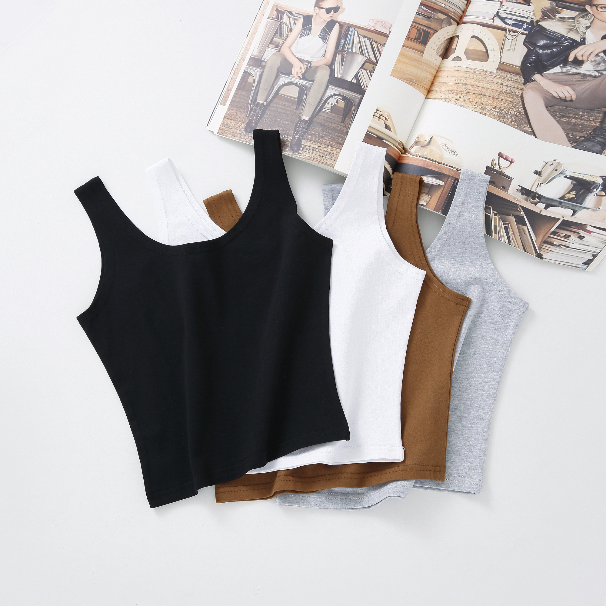 Womens i-shirt with black tank top and versatile short fit and tight fit with white suspender vest for female Xia
