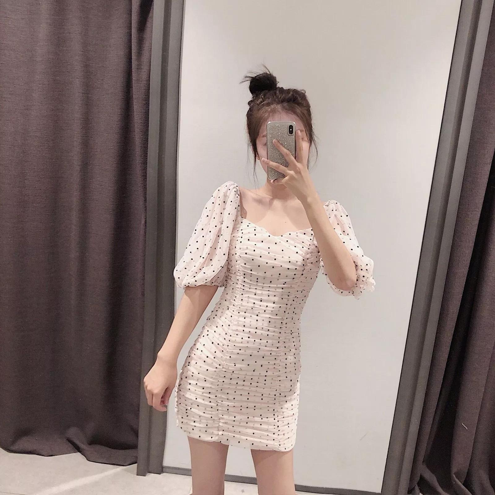 ZRN夏装新款神仙裙复古圆点绢网褶皱修身显瘦方领连衣裙 0003300券后68.00元