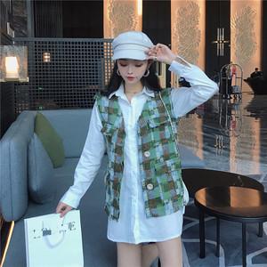 亚博娱乐平台入口实价网红泫雅小香风格子马甲外套加宽松韩版衬衫两件套