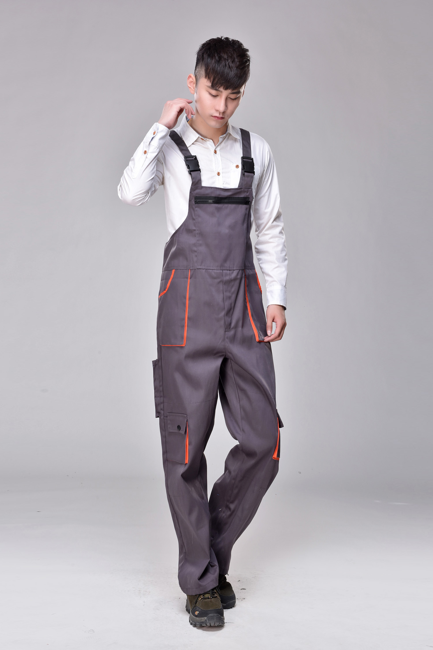 Work clothes one-piece clothes labor protection clothes wear-resistant clothes all the year round one-piece work clothes. Painting for mens car repair