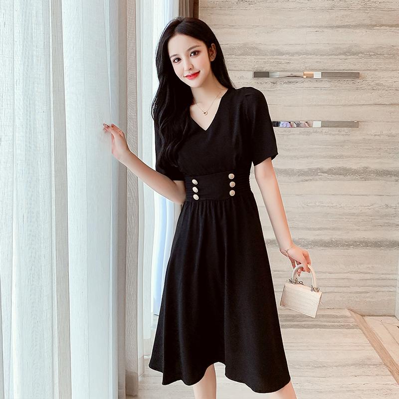 2021夏新法式复古黑色V领高腰小黑裙简约气质收腰显瘦显高连衣裙