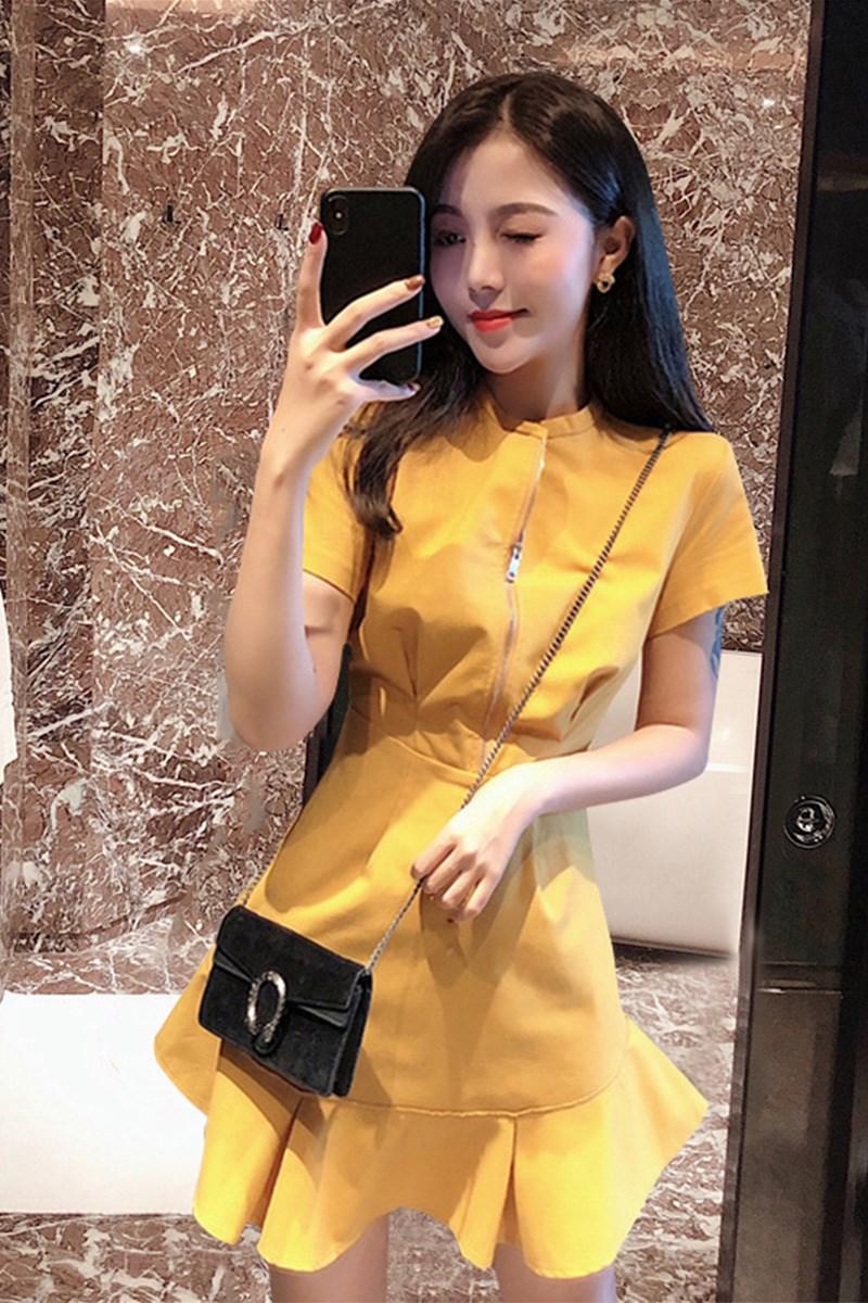 需要用券2019流行夏天新款小个子修身连衣裙