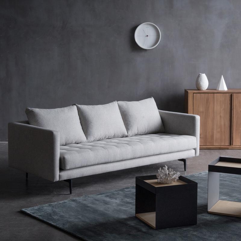 进口客厅家具布艺沙发 简约现代北欧风格小户型三人沙发大气浅灰
