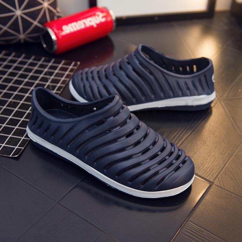Mens and womens summer hole slippers with heel sandals driving shoes waterproof and breathable summer sandals birds nest slippers