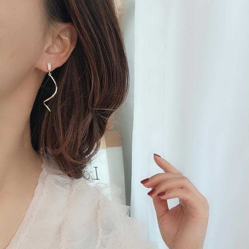 Minimalist zircon wavy lines French temperament long face thin simple Earrings earnails no ear holes ear clip female