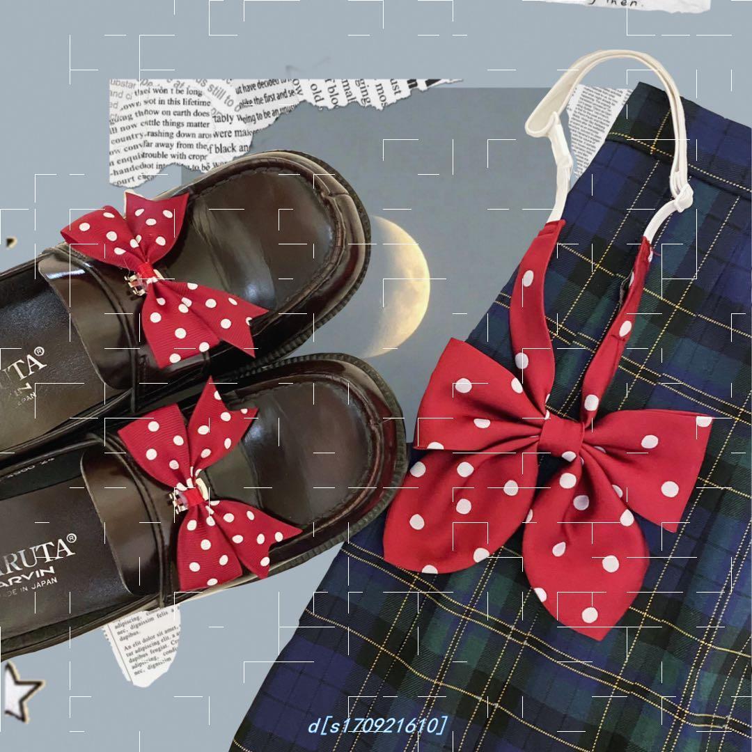 靴は波を挟んでリボンを結びます。立体的な靴のボタンです。ロリータjk制服の靴は靴のアクセサリーを飾ります。可愛いです。
