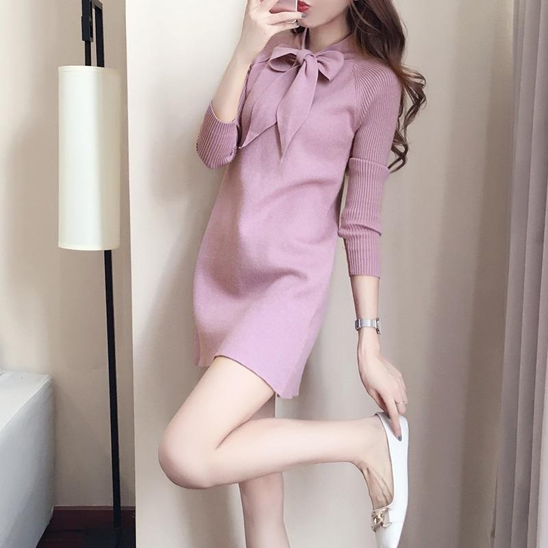 针织连衣裙女秋冬直筒小个子甜美可爱短款群长袖气质风衣内搭毛衣