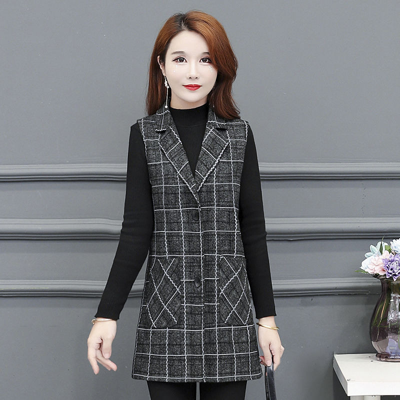 Middle aged and elderly womens clothing spring and autumn middle and long Plaid vest middle-aged mothers clip large waistcoat