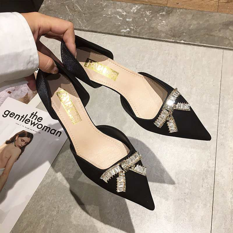 Spring and summer 2020 new bow hollow single shoes female pointed low heel Korean version of small fragrant geomantic diamond Baotou cool shoes
