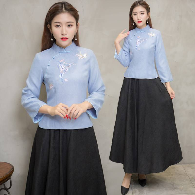 Temperament Chinese style retro embroidered dress suit autumn Republic style girl improved Qipao tea is popular