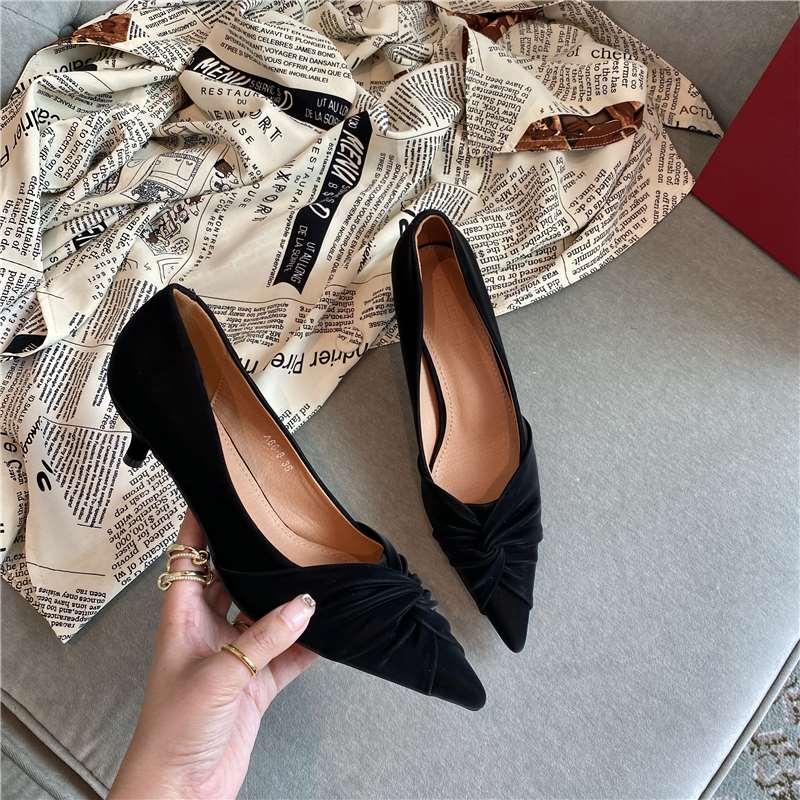 New pointed embossed womens high-heeled shoes with shallow mouth and middle heel and soft sole