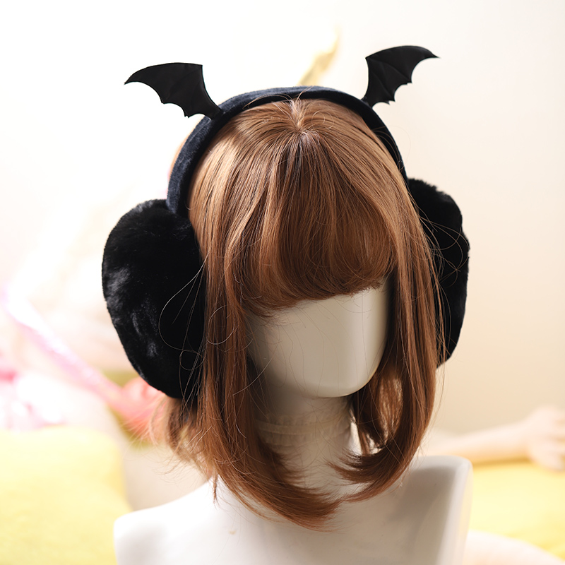Fall and winter velvety bat wing earbag is easy to carry, dark style earmuffs are warm and foldable