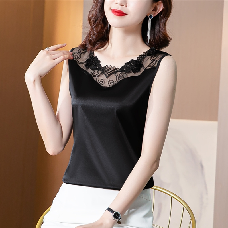 Satin suspender top design is popular, wearing summer suit on the outside and backing coat on the inside, foreign style lace sleeveless vest