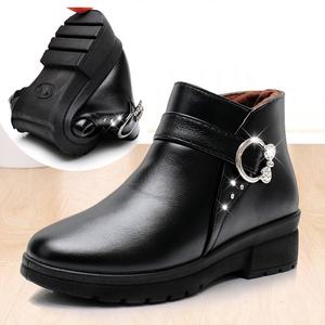 妈妈鞋冬季棉鞋加绒加厚平底防滑保暖老人短靴中老年女鞋中年冬鞋