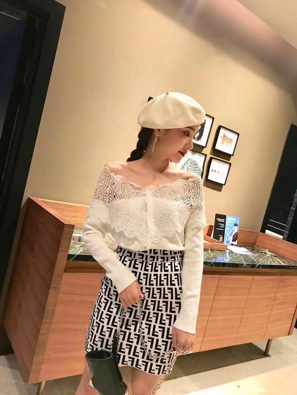 针织开衫女2019秋装新款韩版时尚蕾丝拼接一字领漏肩毛衣小外套女