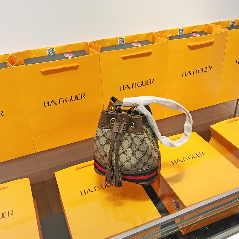 品牌时尚网红迷你大牌水桶包小包包女2019年新款奢侈品百搭斜挎包