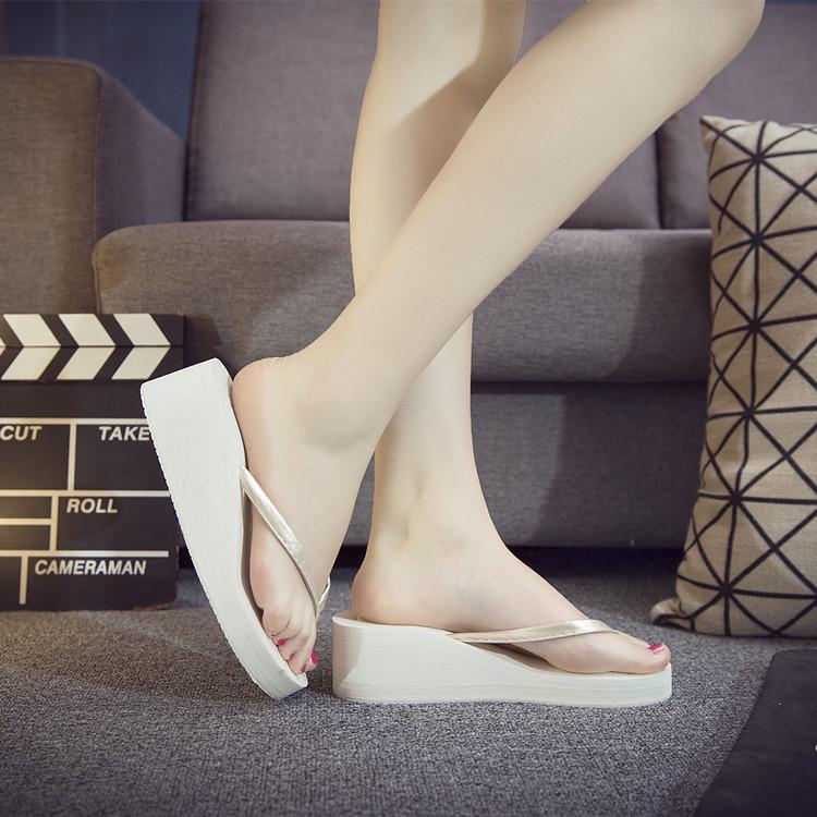 防滑人字凉鞋夏季女士凉鞋拖鞋厚底夹脚坡跟塑料松糕凉凉鞋浴室鞋