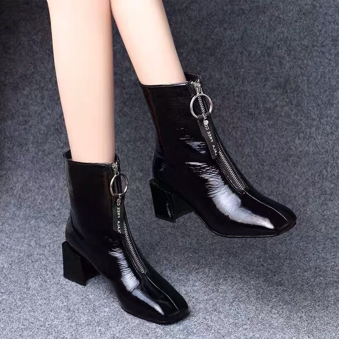 Short boots womens square head thick heel middle heel leather versatile autumn winter 2020 new cotton shoes leather shoes patent leather Plush Martin boots