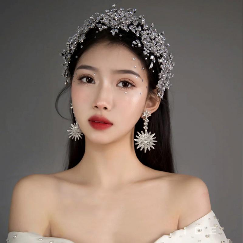 冰雪女王新娘结婚头饰满钻锆石王冠日韩婚纱跟妆造型发饰。
