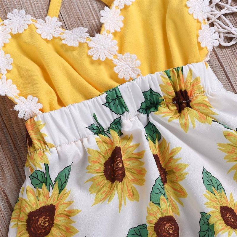 。 Childrens wear summer girls baby one piece shorts 0-2 years old sunflower suspender lace Jumpsuit