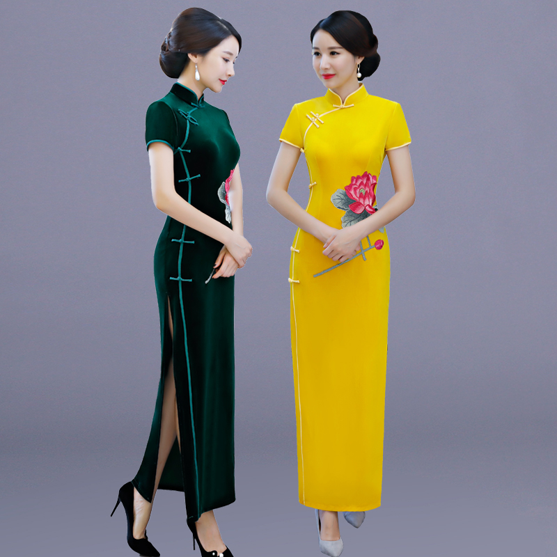 Show off cheongsam womens autumn 2020 new velvet improved Chinese style lengthened slim mothers dress looks thin in winter