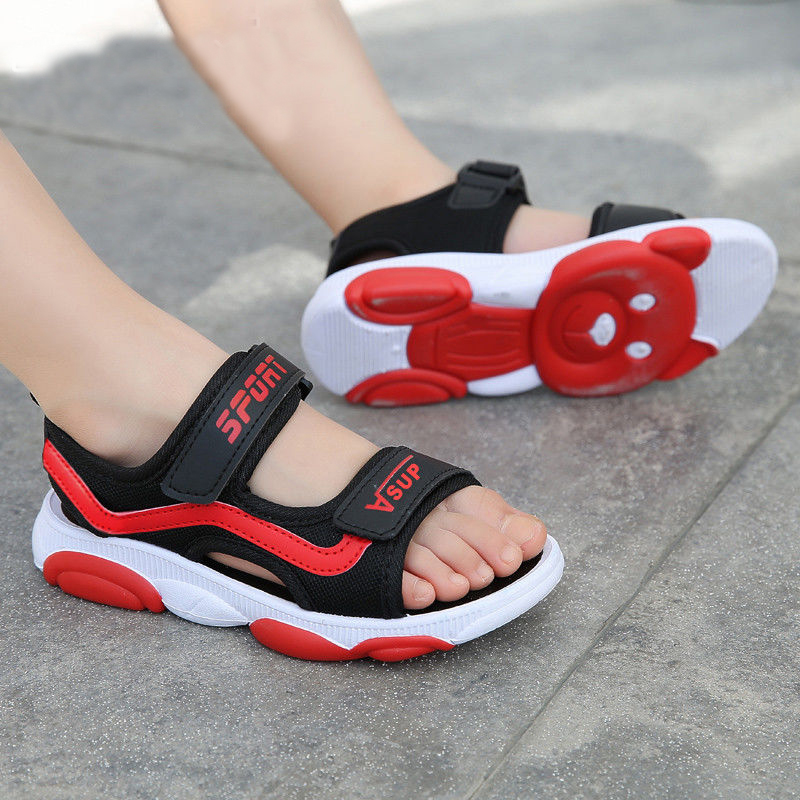 Comfortable childrens sandals summer soft soled non slip childrens shoes Korean boys and girls beach shoes middle and big childrens sports sandals