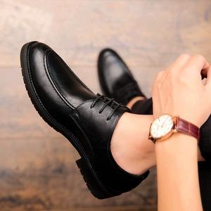 皮鞋男韩版潮流布洛克男鞋英伦商务正装帅气黑色休闲小皮鞋男春季