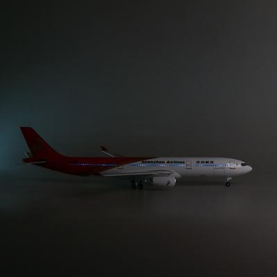 日本带轮子带灯深圳航空深航客机飞机模型空客a330民航仿真摆件