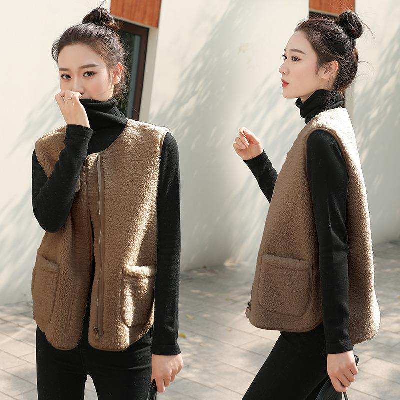 Lamb hair waistcoat for women in spring and Autumn