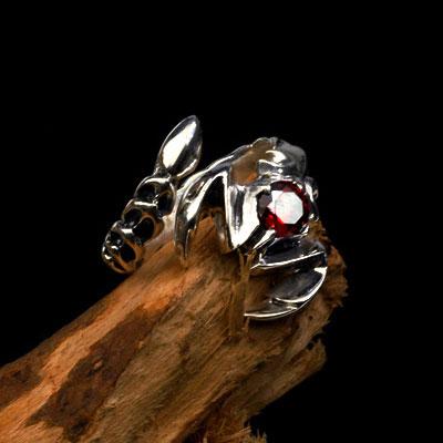 日韩版霸气纯银蝎子男士开口戒指 潮人复古红宝石单身食指环尾戒