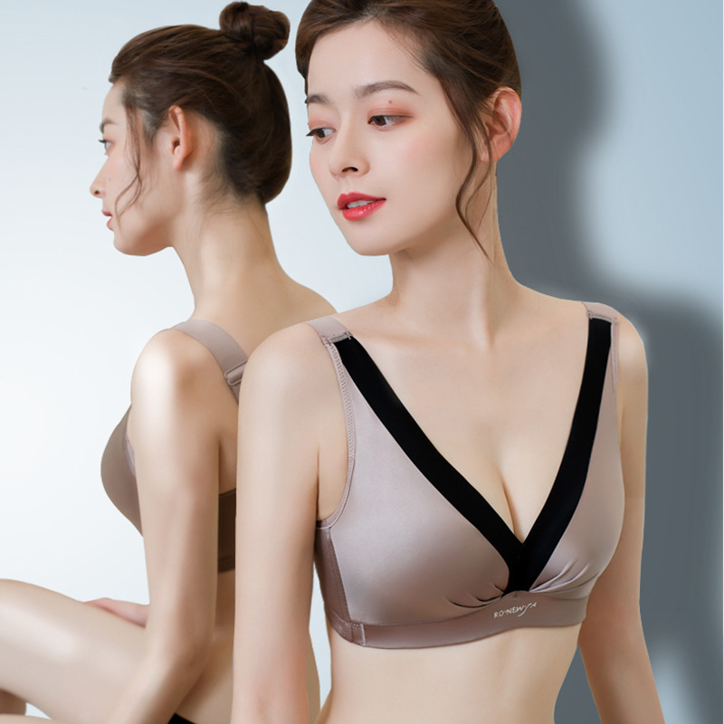 Thin large chest shows small bra gathered without steel ring sexy close breast adjustable wide shoulder belt bra and back underwear