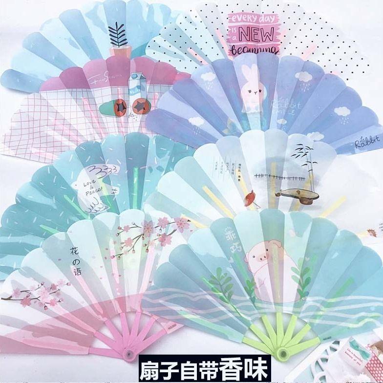 带香味可爱卡通儿童塑料折叠扇子随身夏季便携学生便宜批发扇子