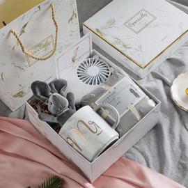 结婚伴郎伴手礼女伴娘创意高端实用婚礼新娘礼盒满月酒节庆小礼品