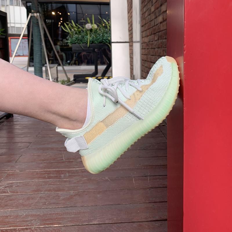 七熙真爆高版本yeezy椰子鞋350v2满天星女亚洲限定黑天使海盐欧洲
