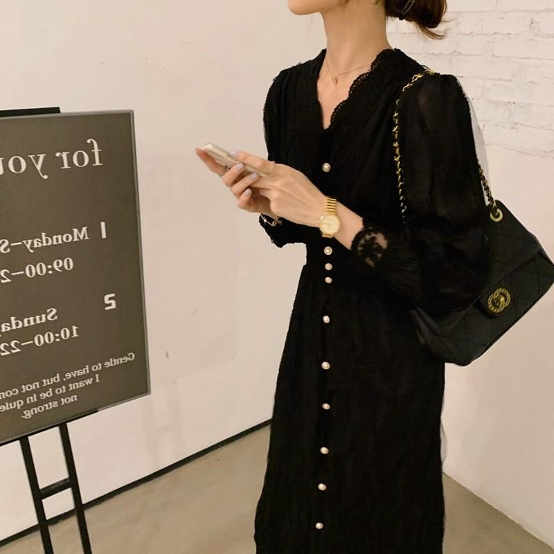 长裙法式复古赫本风小黑裙心机设计感小众v领蕾丝连衣裙子女春秋