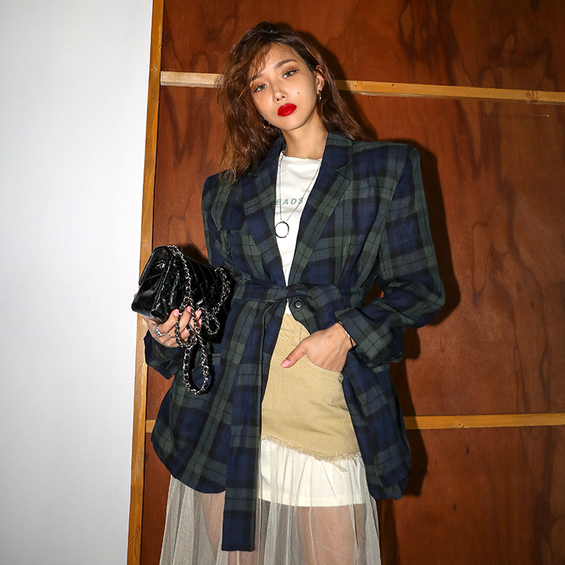 2020 new suit, Korean version, fashionable and loose, large size, thin, single breasted, cool grid style, foreign style, coat fashion