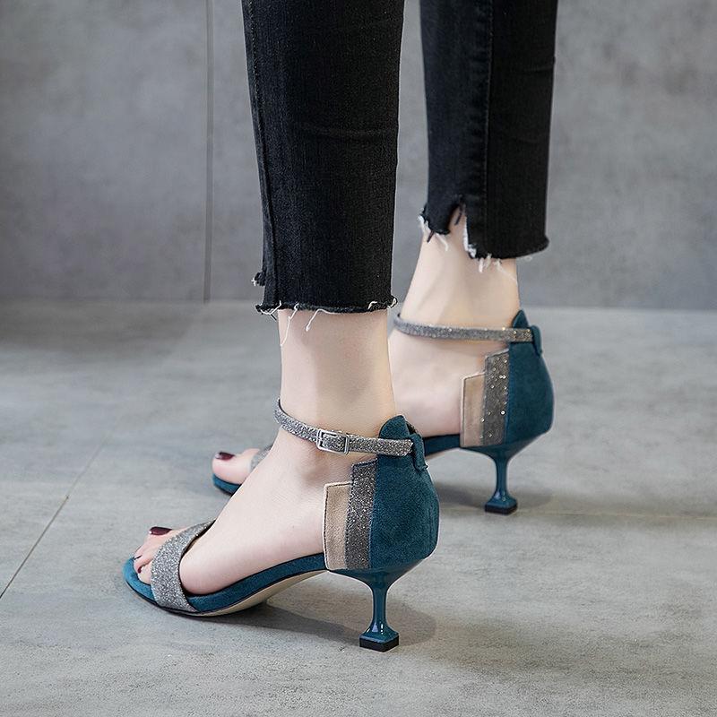 サンダルの女子学生の韓版ハイヒールの女性の細いヒールと2020夏の女性のサンダルの露の足の低い靴と百足のハイヒールの靴