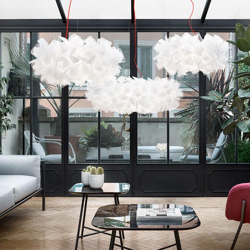 イタリアのデザイナーが創意的な寝室のシャンデリア北欧の近代的な簡単なリビングレストランの芸術の花弁のシャンデリア