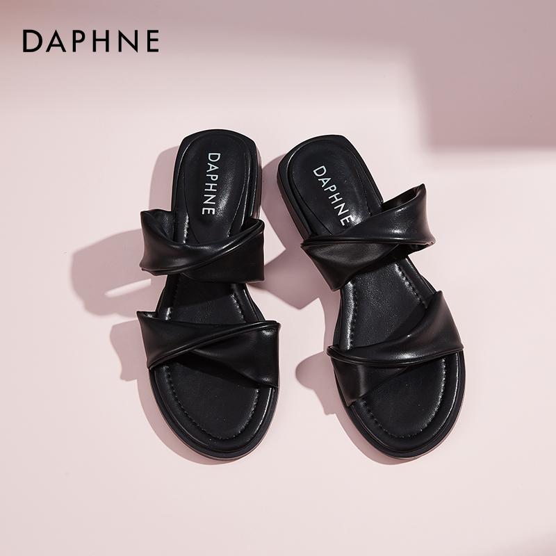 达芙妮网红拖鞋女夏季超火2020年新款外穿ins潮凉拖时尚平底凉鞋