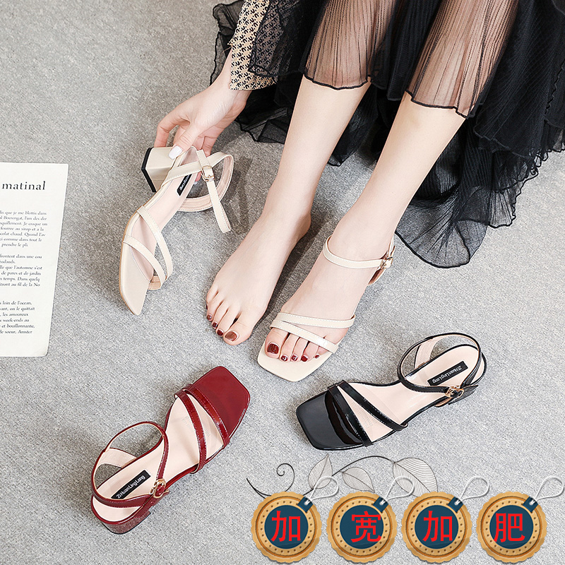 New large womens fattening square head French thick heel sandals 40-41-43 feet wide butterfly widening summer 2020
