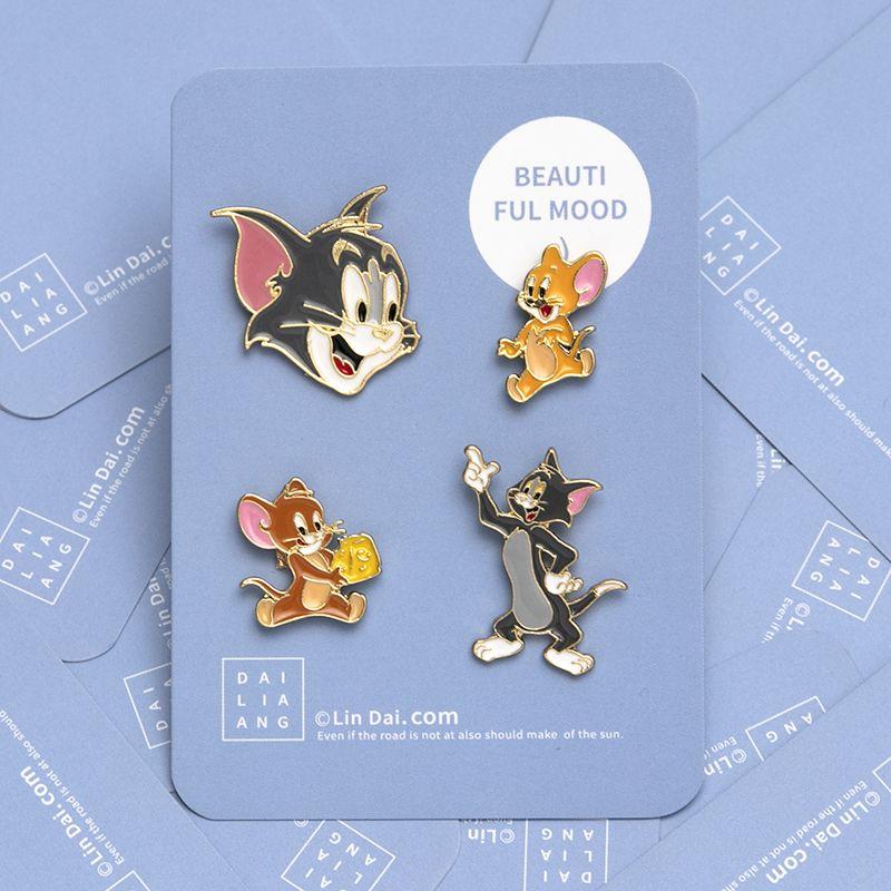 Cartoon cat and Mouse Mini accessory Brooch female couple bag decorative pin cute Trinket badge man