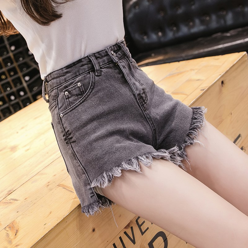Smoke grey denim shorts womens high waist shows thin and loose 2020 new Korean A-line raw edge elastic ins hot pants summer