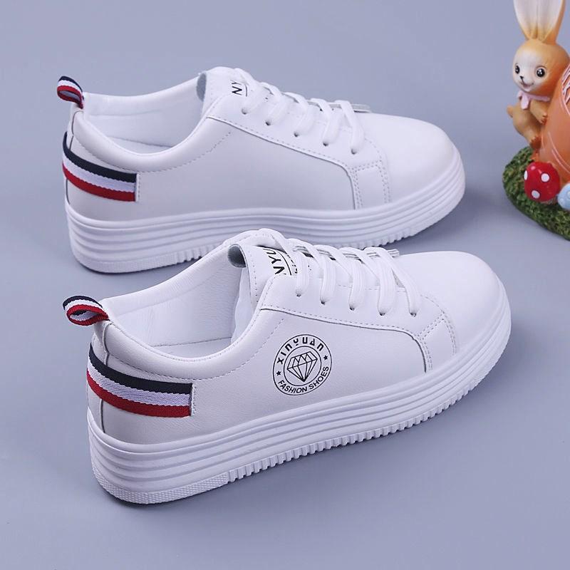 小白鞋女板鞋2020新款秋季学生百搭韩版平底休闲运动厚底增高单鞋