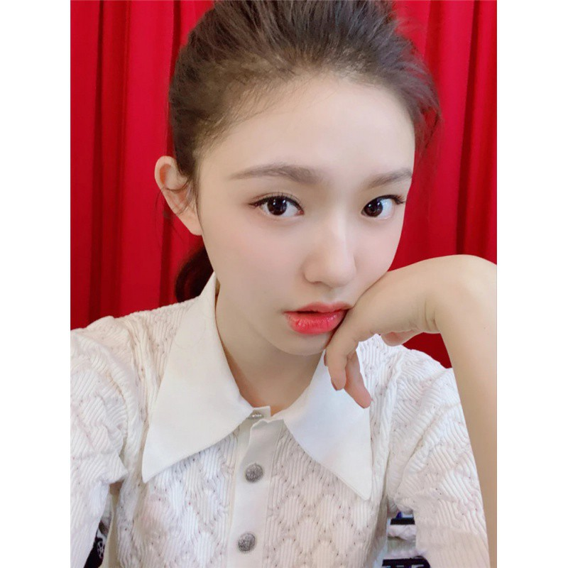 Lin Yuns same small fragrant style short sleeve sweater womens Lapel temperament slim black white ladys knitting top