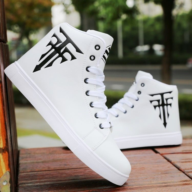 High top shoes board shoes summer fashion shoes breathable sports casual gaobang mens shoes Korean fashion white short boots.