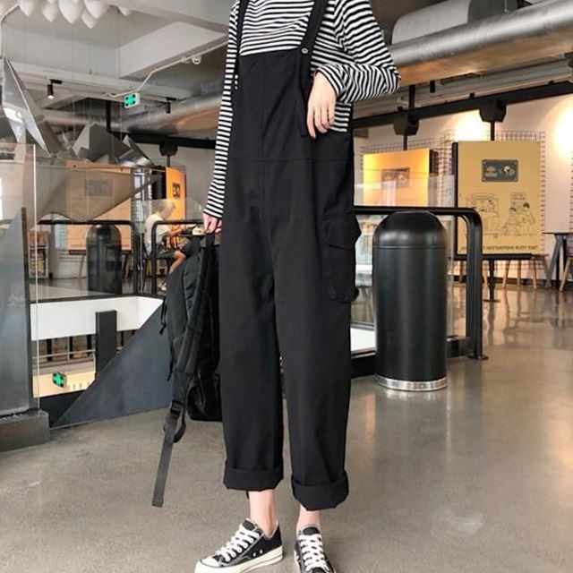 New summer tooling straight tube strap shows thin loose casual Korean style pocket age reducing loose sling one piece pants for women