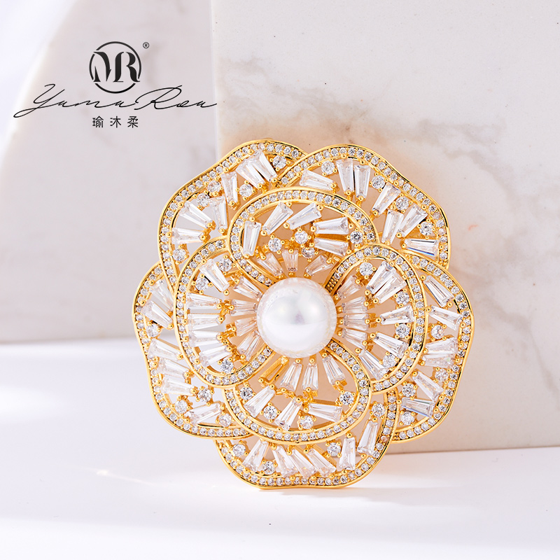 Yumurou alloy platinum plated real gold rose ins Pearl Brooch trend banquet Brooch trend ins Haoshi