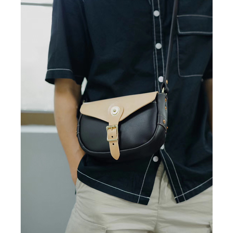 Handmade leather goods original design small postman bag vegetable tanning head layer cowhide Saddle Bag Mini satchel single shoulder